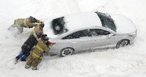 car-push-snow